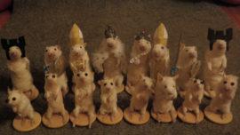 Un ajedrez con ratones disecados y el «caganer» de Carlsen