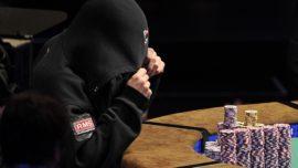 Se pone un nombre de 99 caracteres por una apuesta de póker