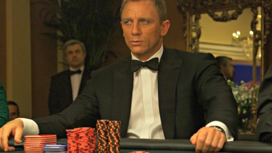 El frustrado fichaje de James Bond como embajador del póker