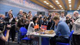 La campeona del mundo, contra los mejores ajedrecistas masculinos