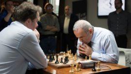 Kasparov reaparece como un huracán y destroza a Short