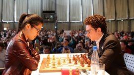 La china Hou Yifan derrota a Caruana, número 3 del mundo