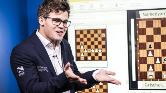 Magnus Carlsen pierde los nervios en una entrevista