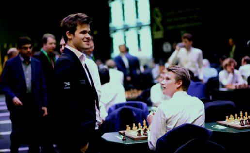Carlsen resucita en el Mundial de ajedrez relámpago