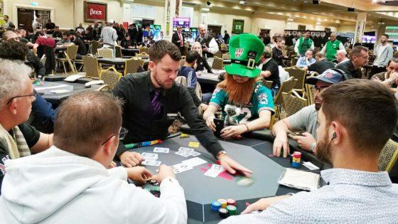 Trece consejos para jugar tu primer torneo de póker en vivo