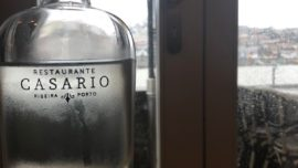 Casario, en Oporto, sobre el Duero