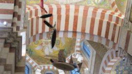 ¿Por qué cuelgan estos barcos del techo de una basílica?