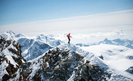 Récord de velocidad: un alpinista escala el Cervino en 1 hora y 46 minutos