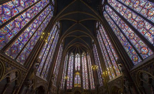 Las vidrieras de Sainte-Chapelle, en París, como nunca las has visto